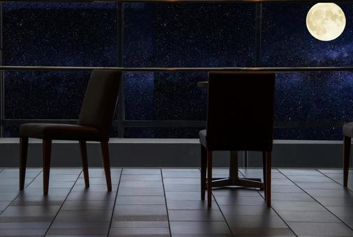 可以看到月亮的咖啡館