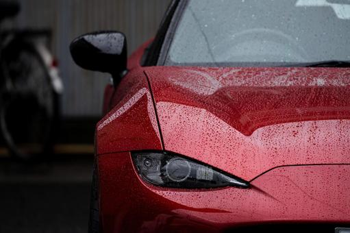 [Car] Wet sports car [Vehicle]