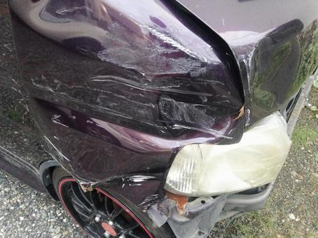 事故车辆2