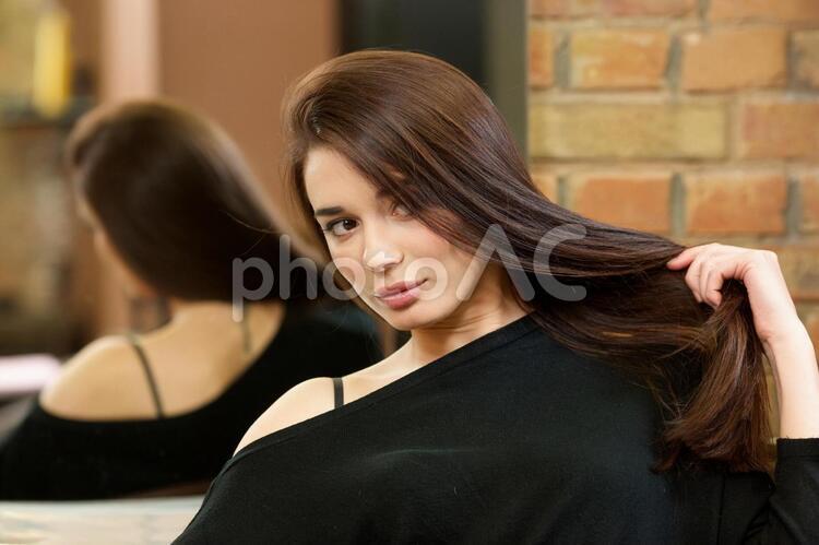 髪のきれいな女性2の写真