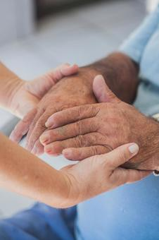 Elderly hands and supporting hands 7