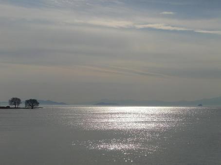 Backlight Lake 001