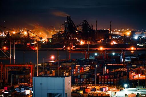 Night view of the factory in the Keihin industrial area (taken from Kawasaki Marien)