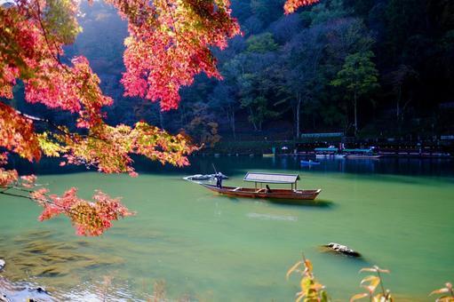 [Kyoto] Arashiyama (autumn leaves)