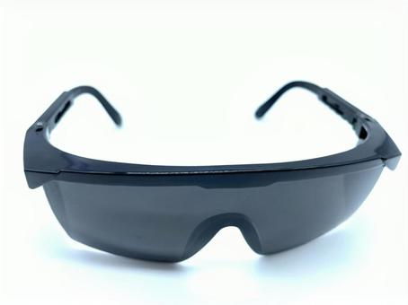 Eye protection sunglasses for hair loss: front version
