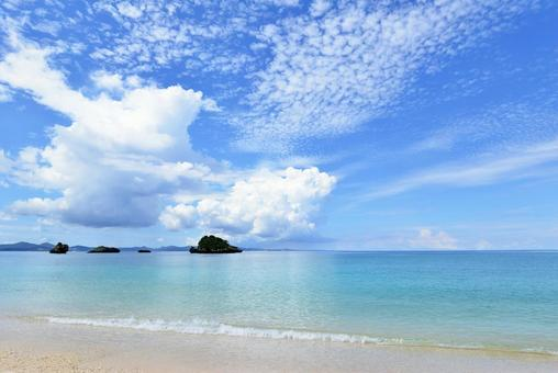Okinawa's beautiful sea scale clouds