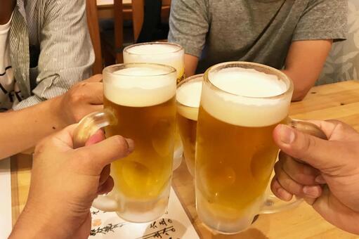 건배 잔 생맥주 01