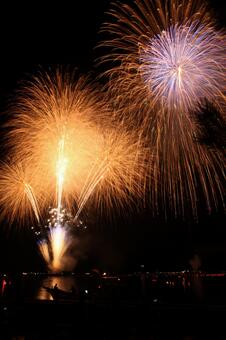Waterfront fireworks 3