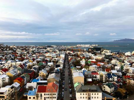 아이슬란드의 수도 레이캬비크의 거리 (복사 공간 있음)