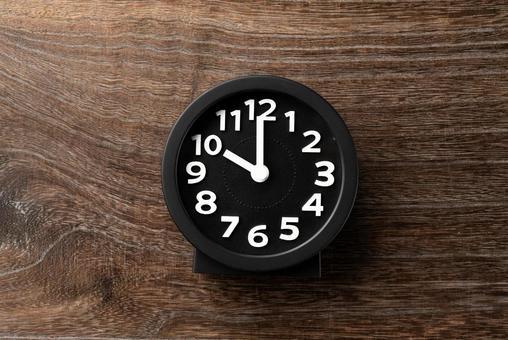 Clock 10 o'clock 22 o'clock