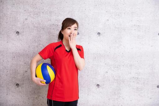 打排球的女人