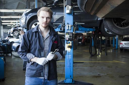 Automobile mechanic with spanner 2