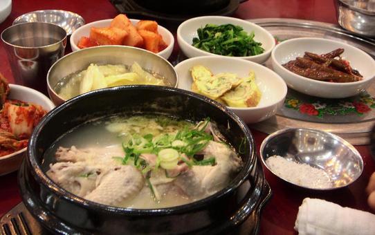 한국 요리 세트 삼계탕