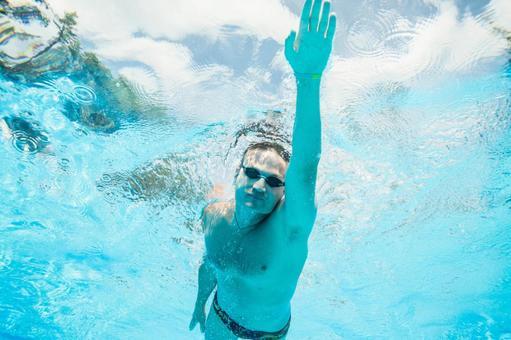 Underwater shooting swimming men 9