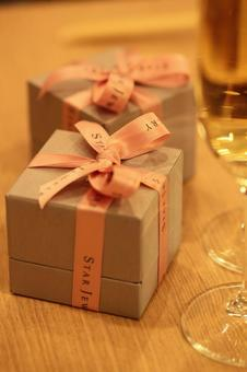 香槟和首饰盒3