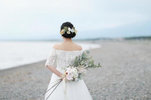 自然婚禮新娘背影
