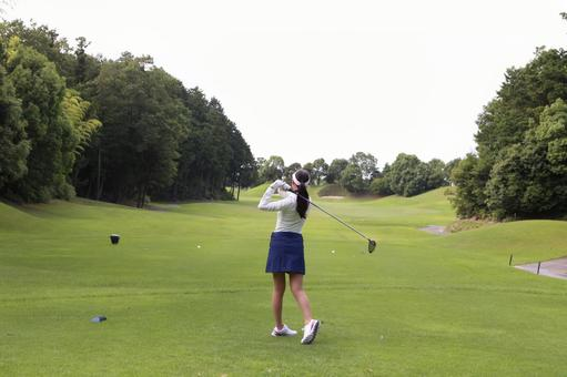 Female to play golf 24