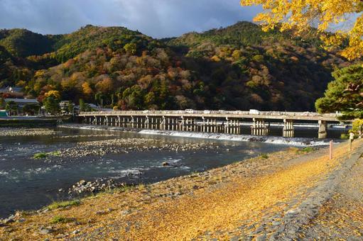 Autumn in Arashiyama, Kyoto 09
