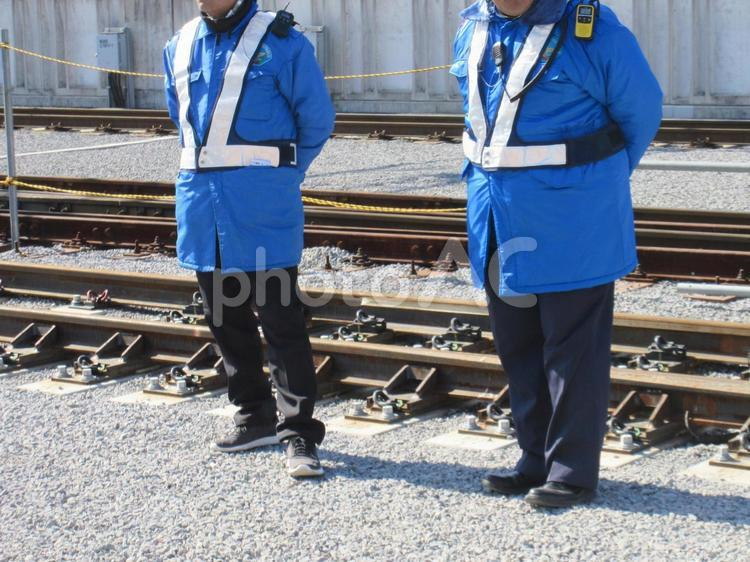 ガードマン 警備員 工事中 人物 制服の写真