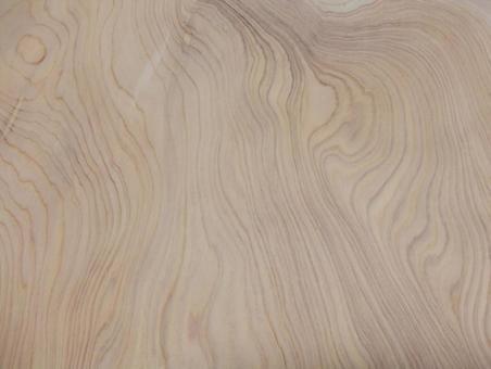 Hinoki cypress with beautiful zelkova-like annual rings