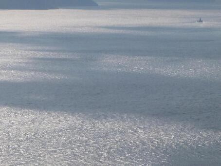 Background sea, light