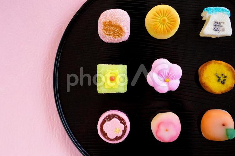 お正月の小さな和菓子の写真