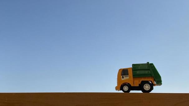 Garbage truck minicar