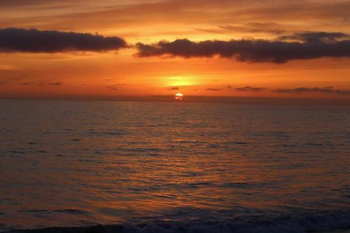 Sunset on the west coast of the United States 3