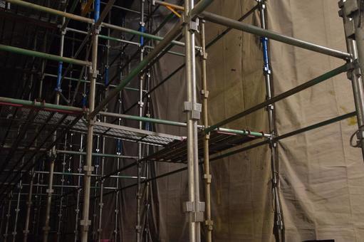 Night scene: scaffolding image