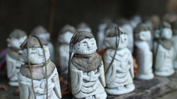 很多Jizo