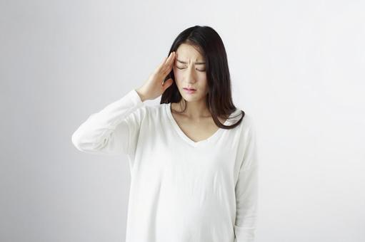 Japanese women suffering from headaches 6