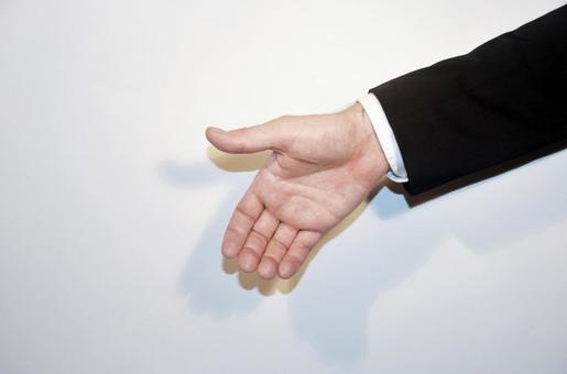 握手外國商人手中