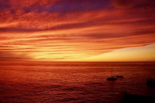 Fiery sunset on the Big Island
