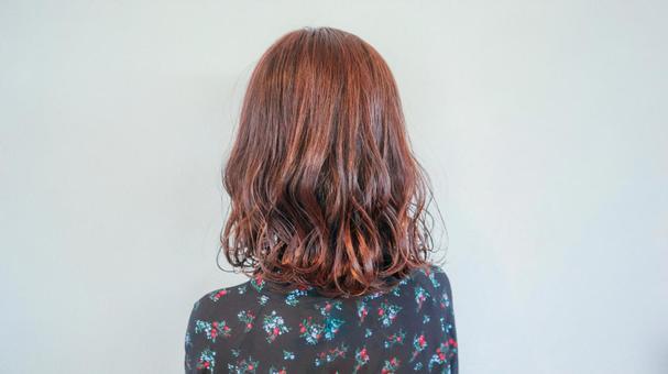 頭髮顏色的女人