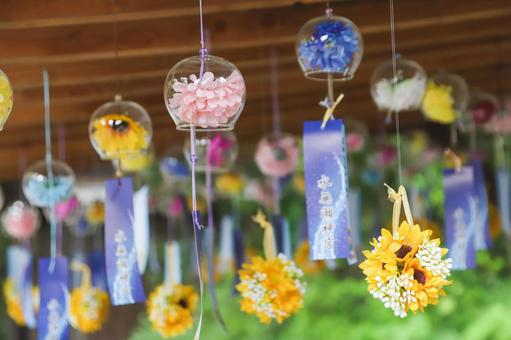 Wind chimes of cool flowers at Minase Shrine