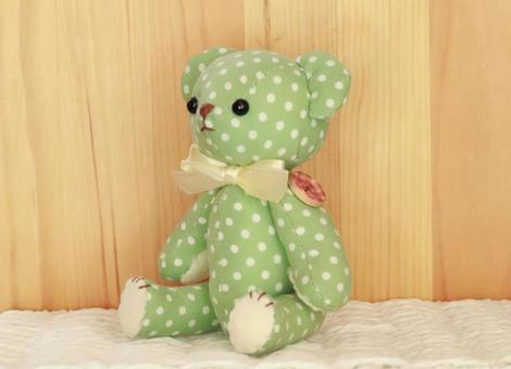 クマのぬいぐるみ(緑)