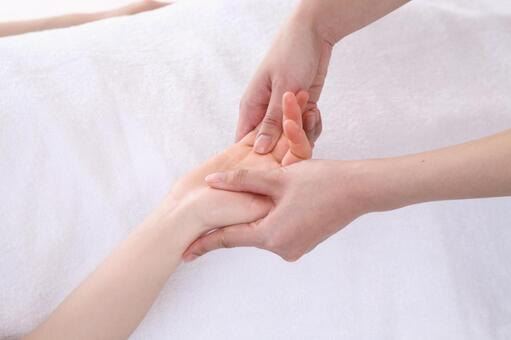 Body massage (hands and arms) 2