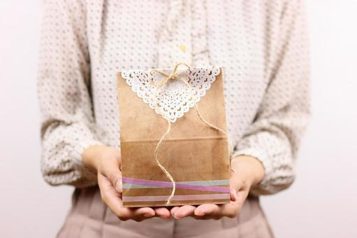 Women's gifts to give presents 4