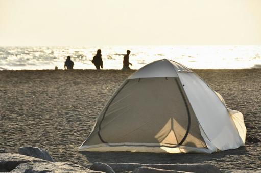 Landscape Solo camp on the coast