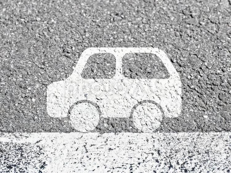 道路を走る車イメージ2の写真