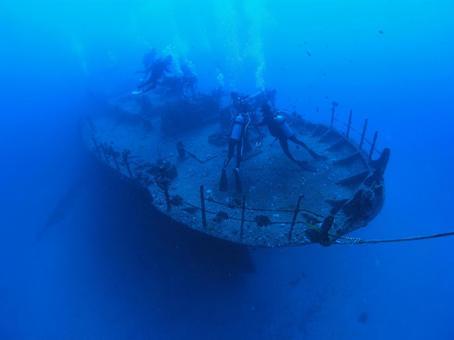 침몰 한 배