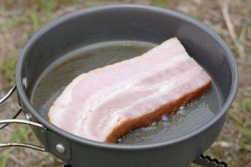 Solo camp bacon cooking