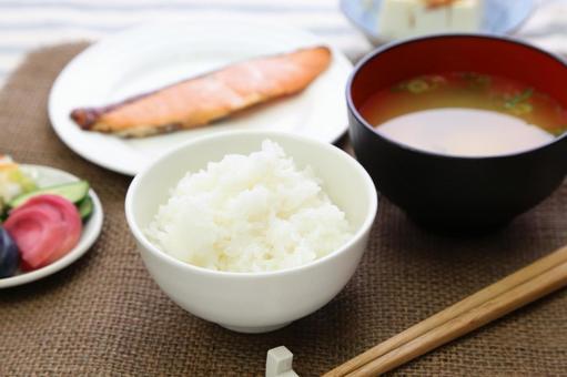 Simple Japanese set menu 4