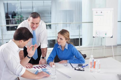 Businessmen making meetings 9