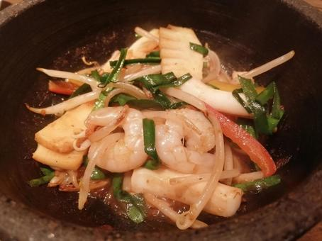 Stir-fried seafood vegetables