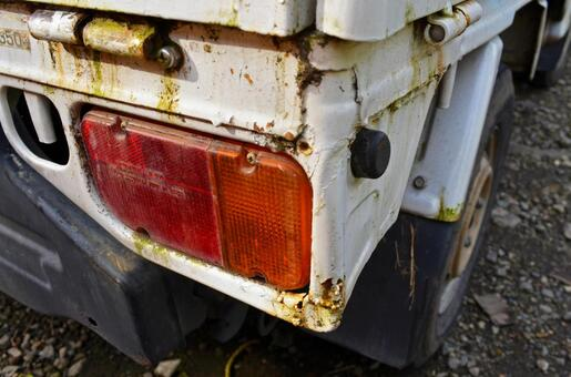 Rear light truck of scrapped car and taillight