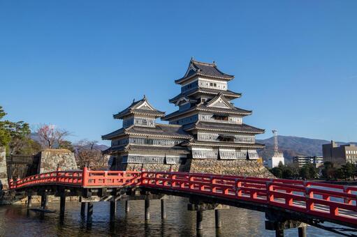 Matsumoto Castle and Buried Bridge