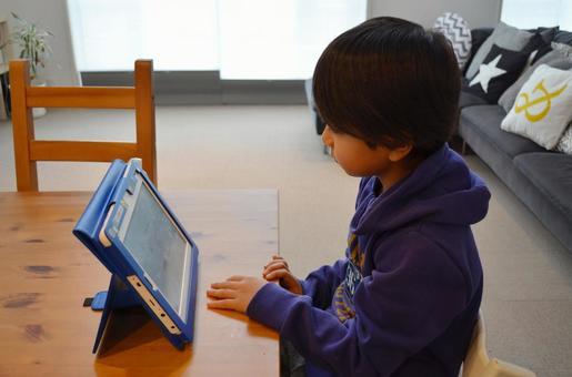 小學生平板電腦學習