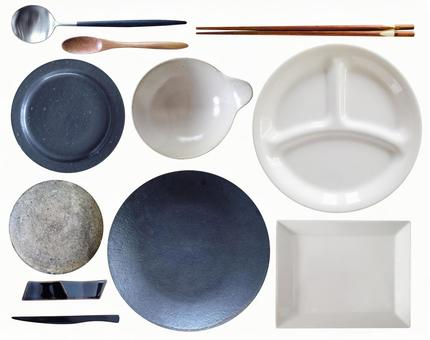Easy-to-use tableware with pass