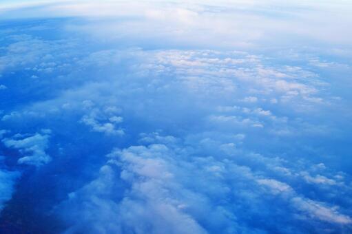 비행기에서 내려다 본 구름 바다